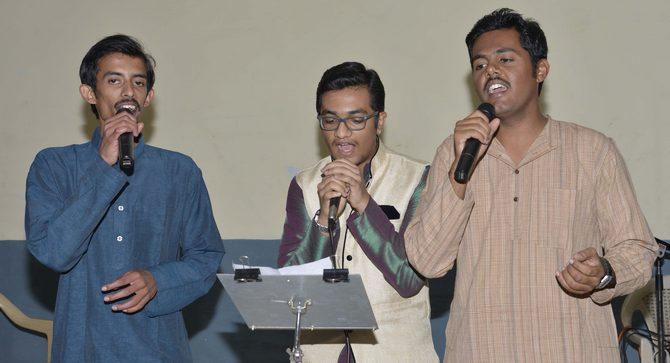 Abhinav, Satwik S Rao and Manohar entertaining the members