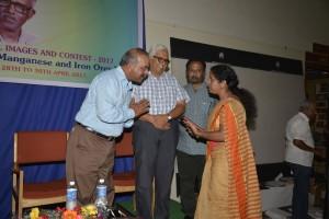 Thanking Sandur Manganese & Iron Ore - Mrs. Bhuvaneswari receiving the award