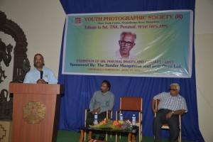 Shantha Kumar addessing the audience